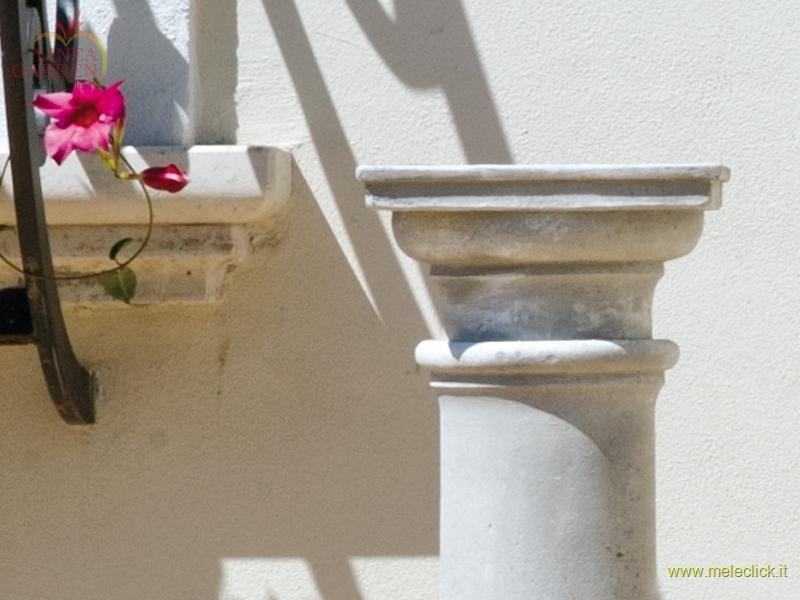 Colonna in pietra cemento ellade per arredo giardino for Arredo giardino in cemento